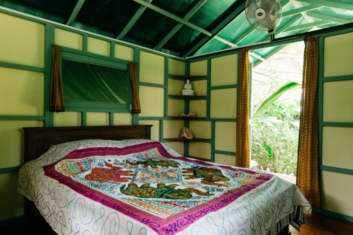 jungle hut accommodation double bed sri lanka